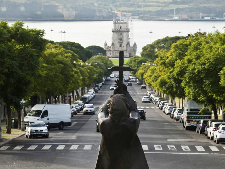 Monumentos de Lisboa: estátuas de A a bronze