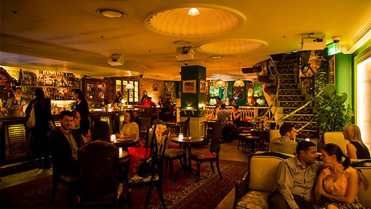 Lobo Plantation bar