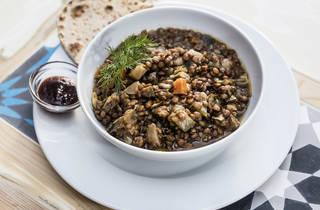 lentilhas com chapata, graça 77