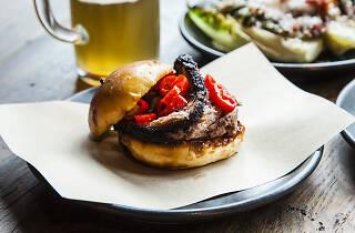smokestak, cheap eats, beef brisket bun
