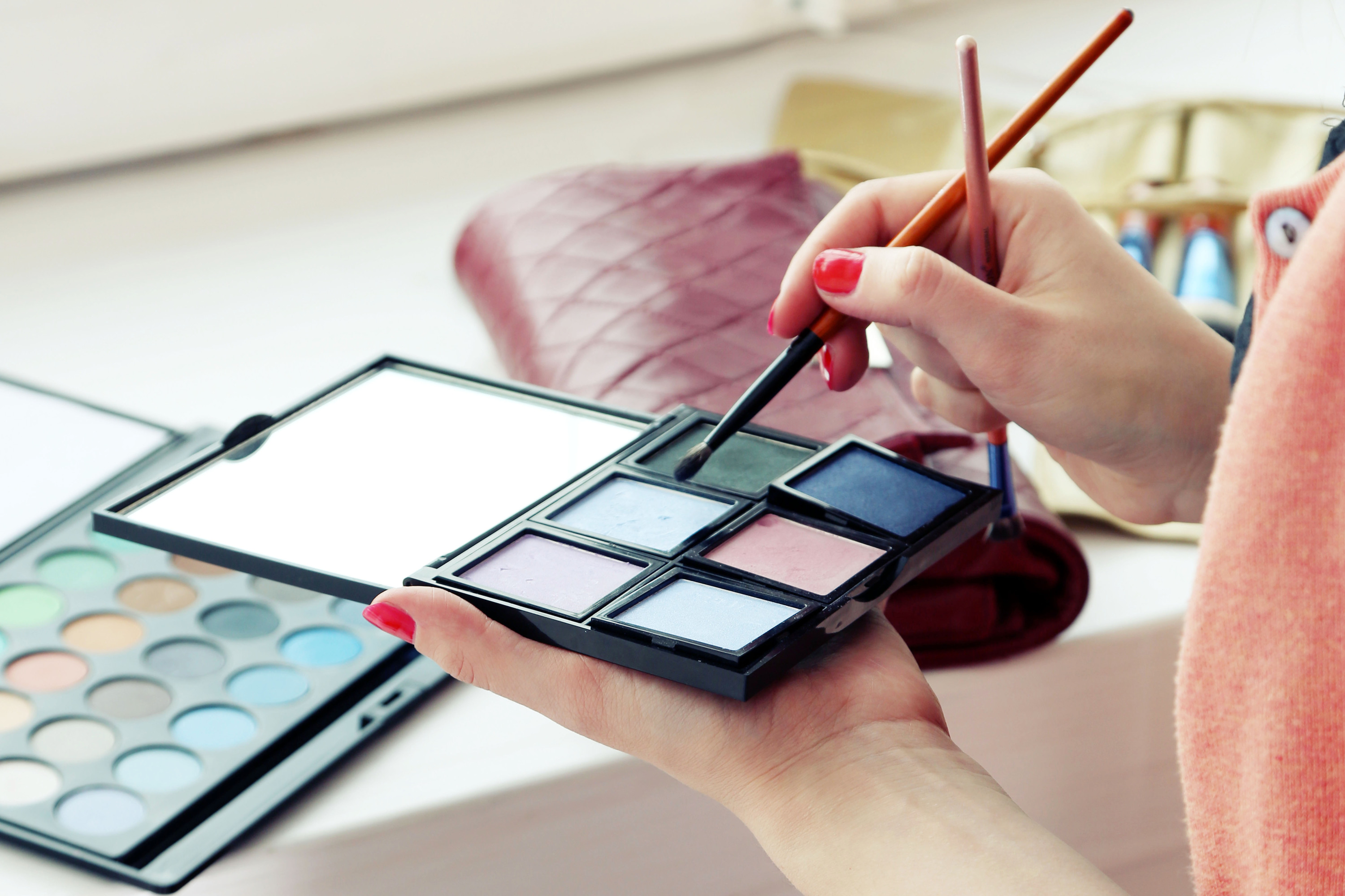 One-on-One Makeup Lessons at Shara Makeup Studio