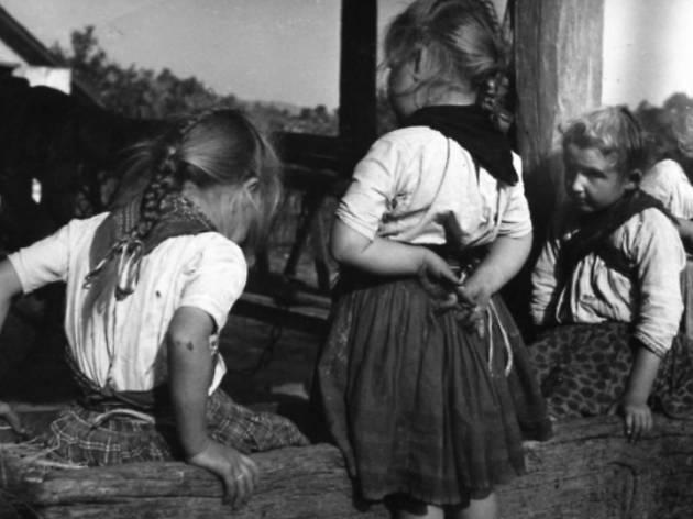 Tres niñas húngaras