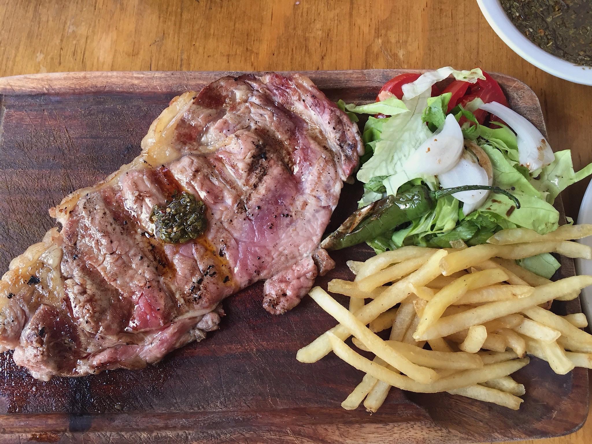 La Rambla Parrilla y Pizzería Uruguaya