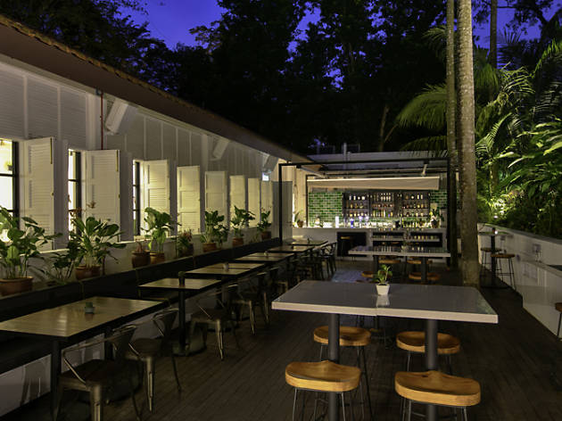 The Garage Botanico Garden Bar