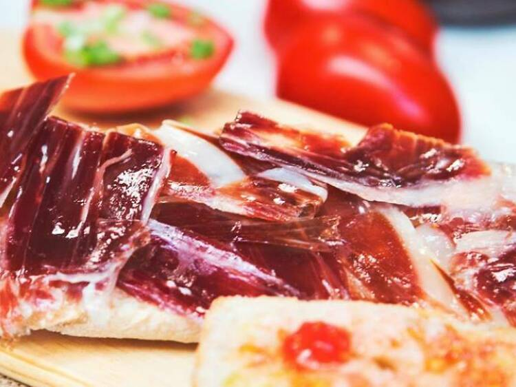 Bocadillo de jamon ibérico Gran Reserva con aceite y tomate