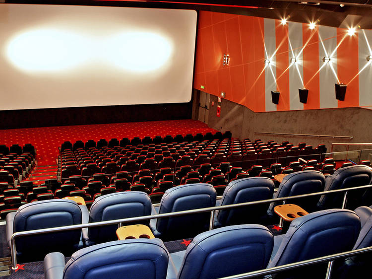 Ver um filme na sala VIP do Cinema City