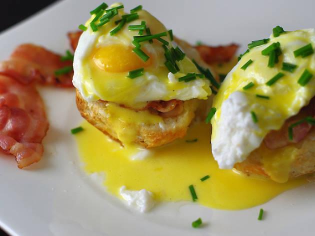 Amb un parell d'ous (Benedict)