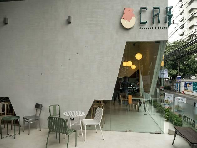 Crack Bangkok waffle cafe