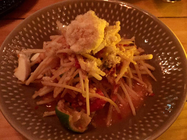 Tum Thai Kai Kem (Spicy Papaya Salad with Salted Egg), Somtum Der