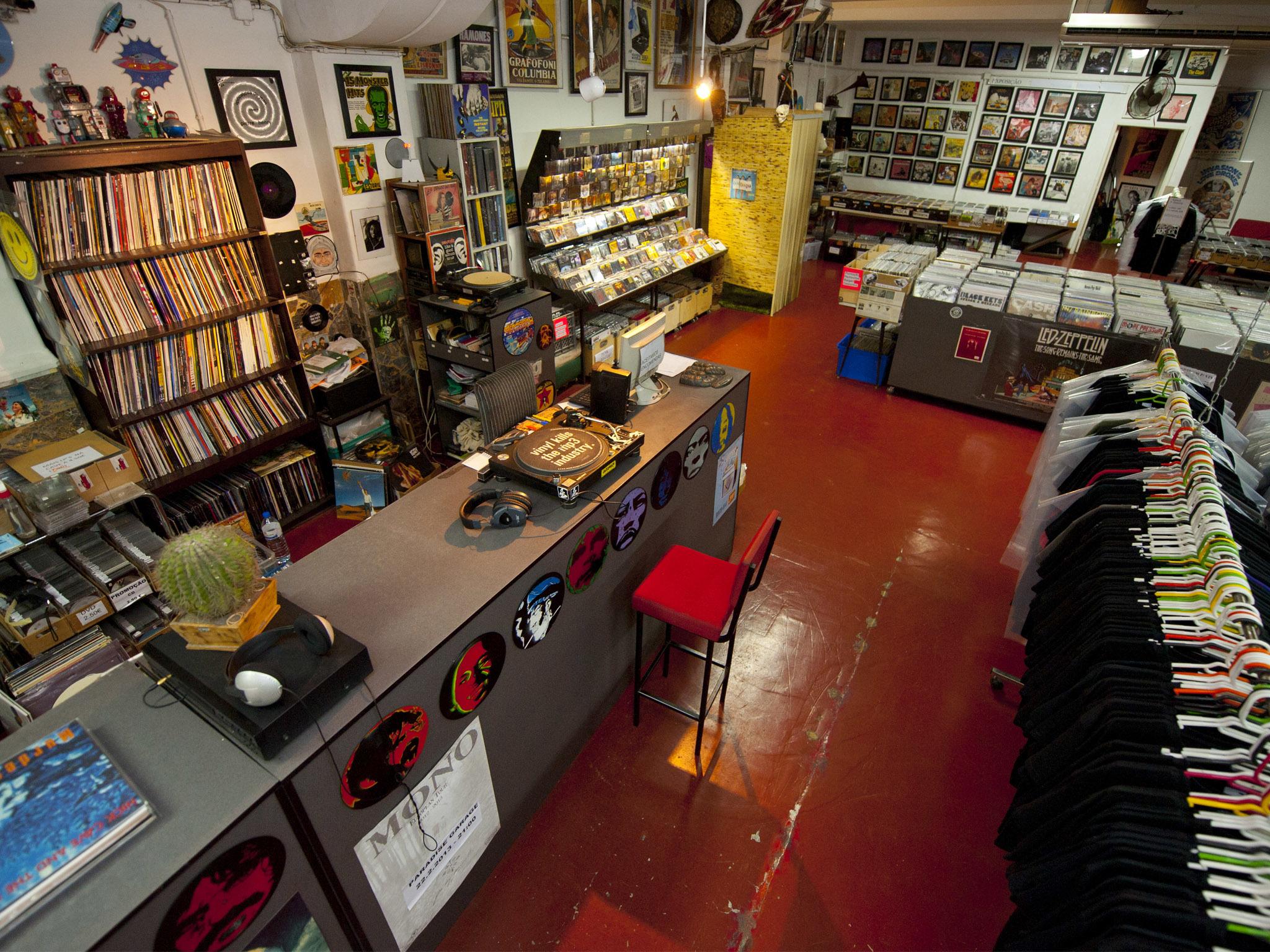 Carbono, loja de discos