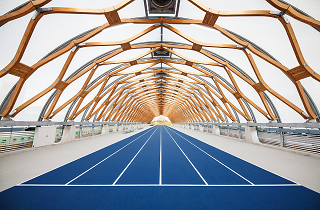 Go for an indoor jog at the new Shin-Toyosu running stadium