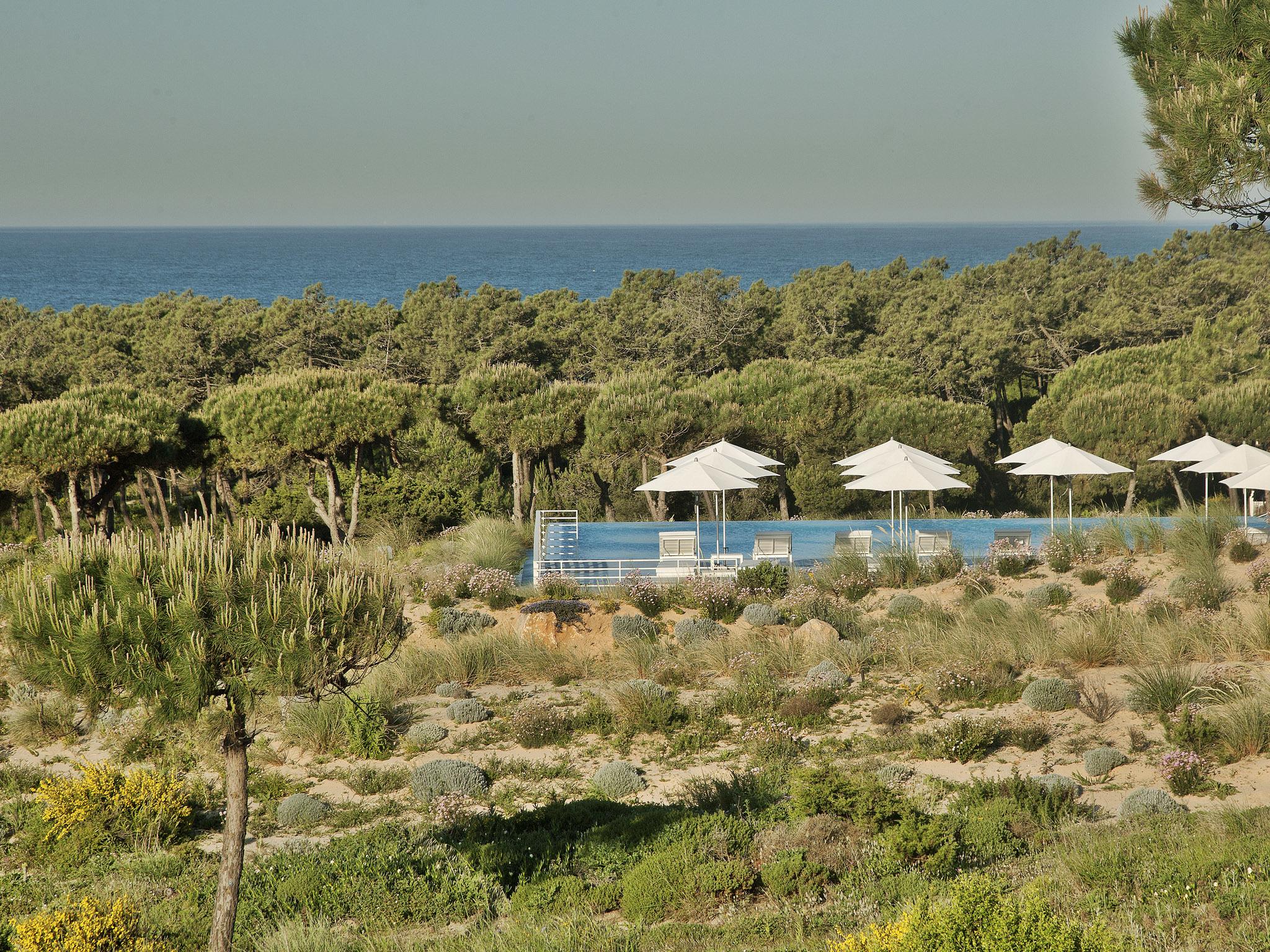 The oitavos, vista da piscina