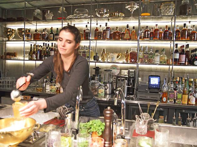 Sondage les Parisiens sont ceux qui sortent le plus dans les bars