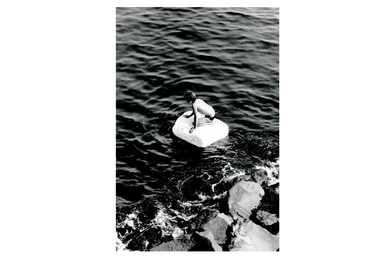 'Boy on Raft', de Peter Hujar