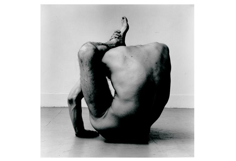 'Gary in contortion 1', de Peter Hujar