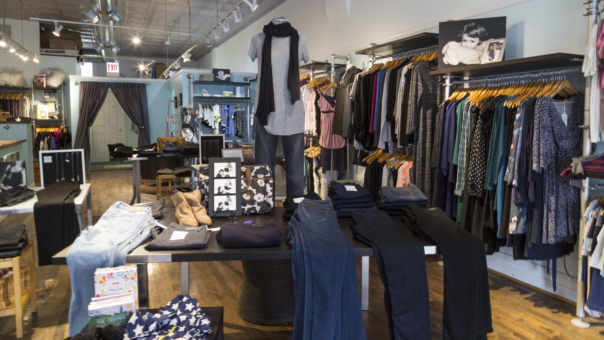 Kickin Shopping In North Center Chicago
