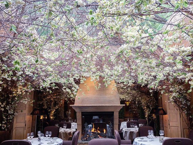 romantic restaurants in london, clos maggiore