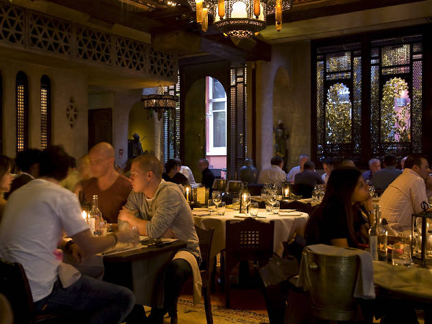 romantic restaurants in london, momo