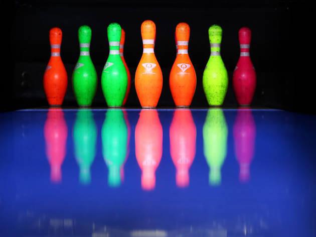 Bowl under blacklight