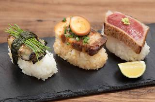 『紀伊半島のごちそう 3種の手毬寿司』 864円(税込)