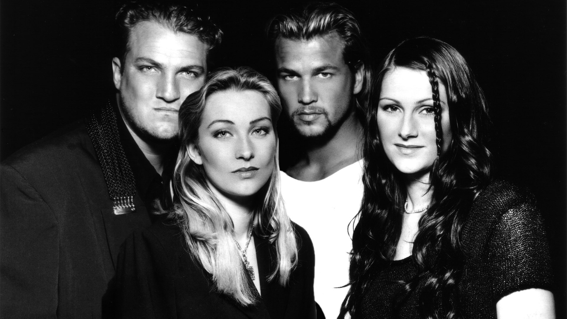 Love the 90's: Gala + Jenny from Ace of Base + Technotronic + Snap! + Vengaboys + OBK + Viceversa + Whigfield + Rebeca + Chimo Bayo...
