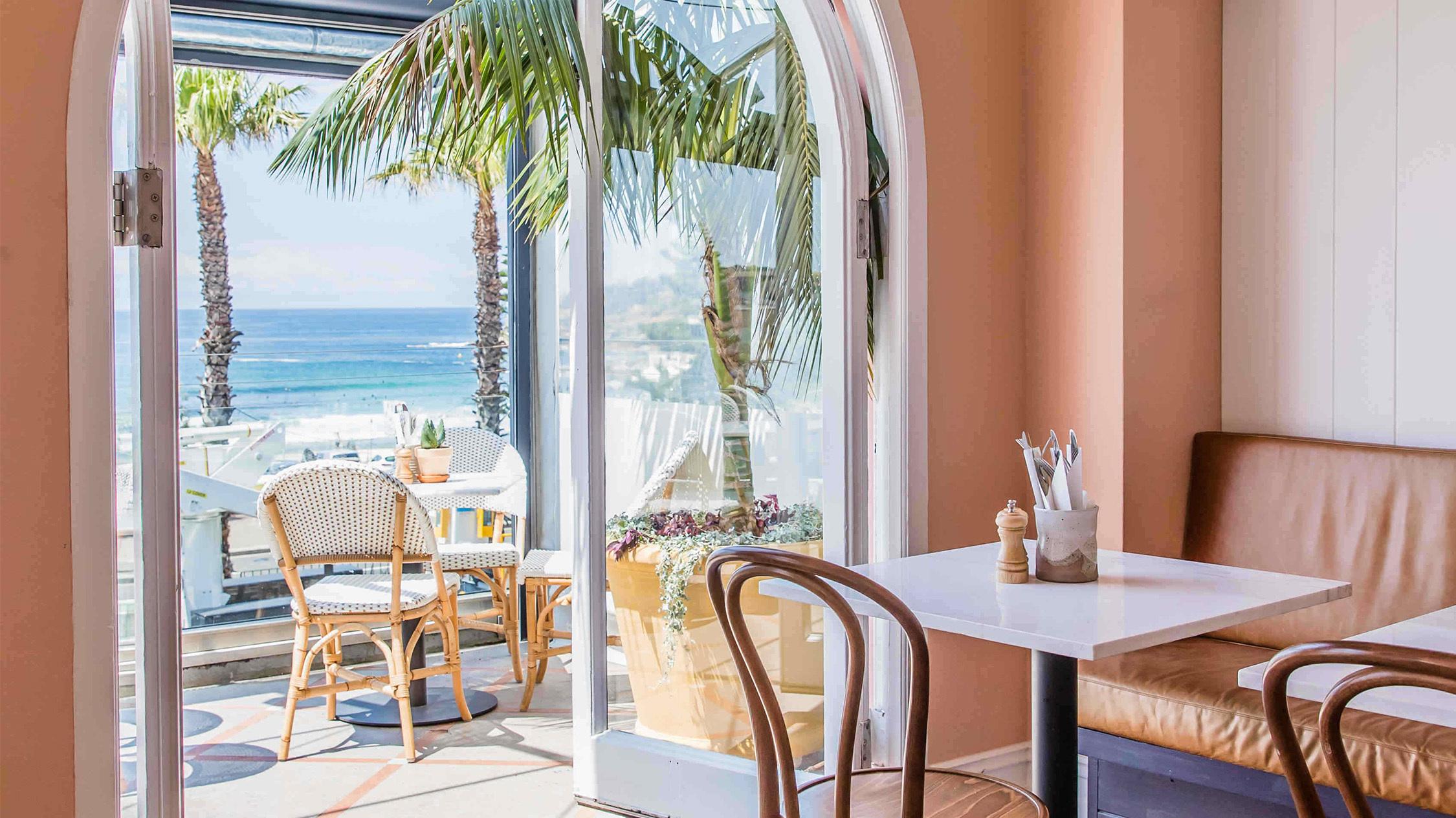 Hotel Ravesis window view