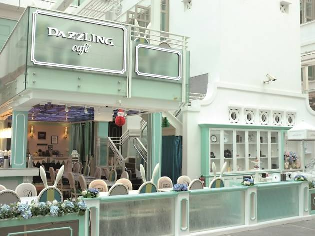 Dazzling Cafe Capitol Piazza