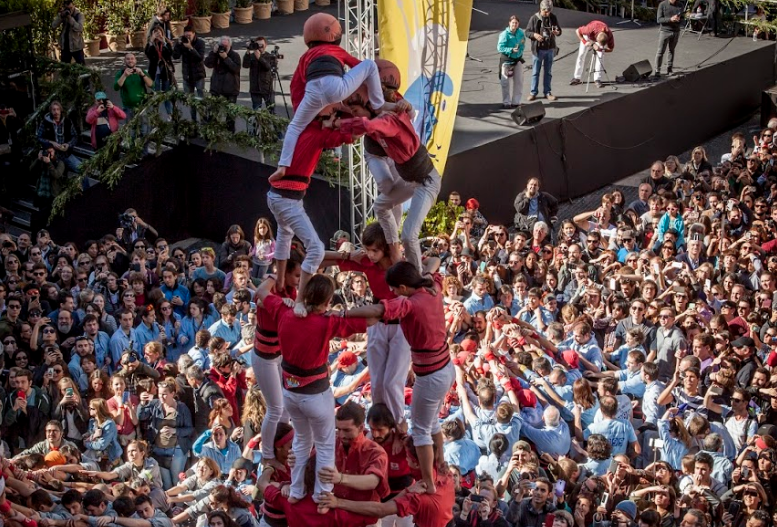 Human tower day