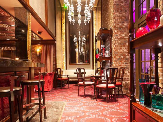 Icon Balcony Bar
