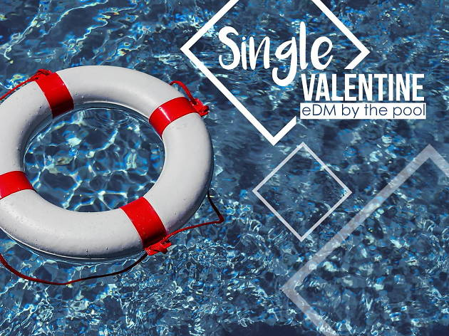 Single Valentine eDM by the pool