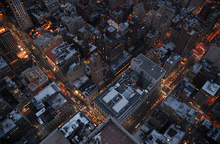 Compare a square mile of NYC's street grid to cities all over the world