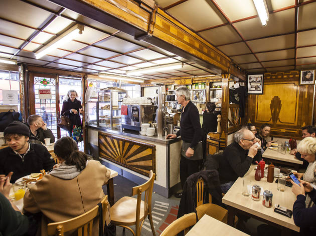 E Pellicci on Bethnal Green Road