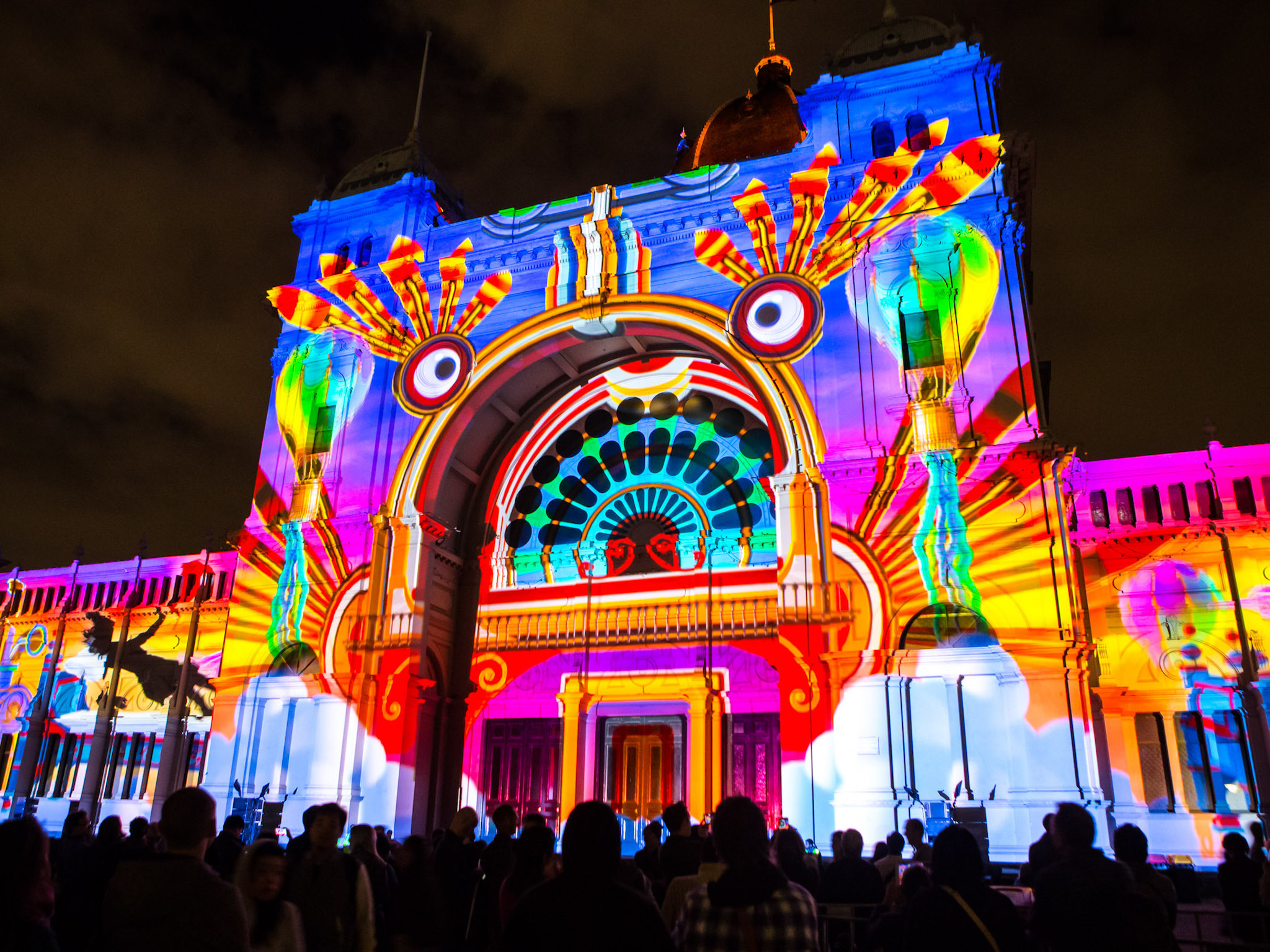 Rhythms of the Night projection art on the Royal Exhibition Building at White Night Melbourne