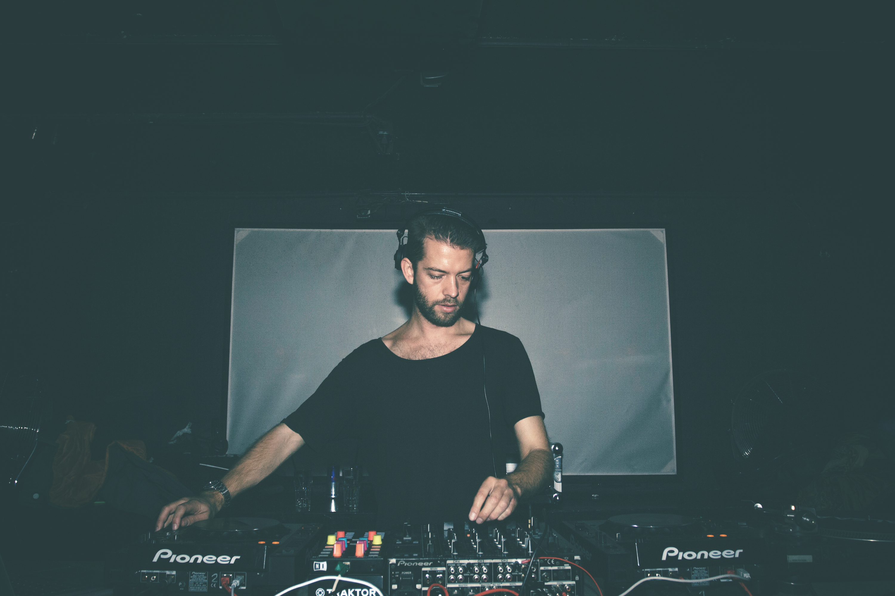 Connected presents Onno