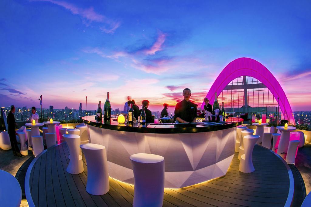 CRU Champagne Bar
