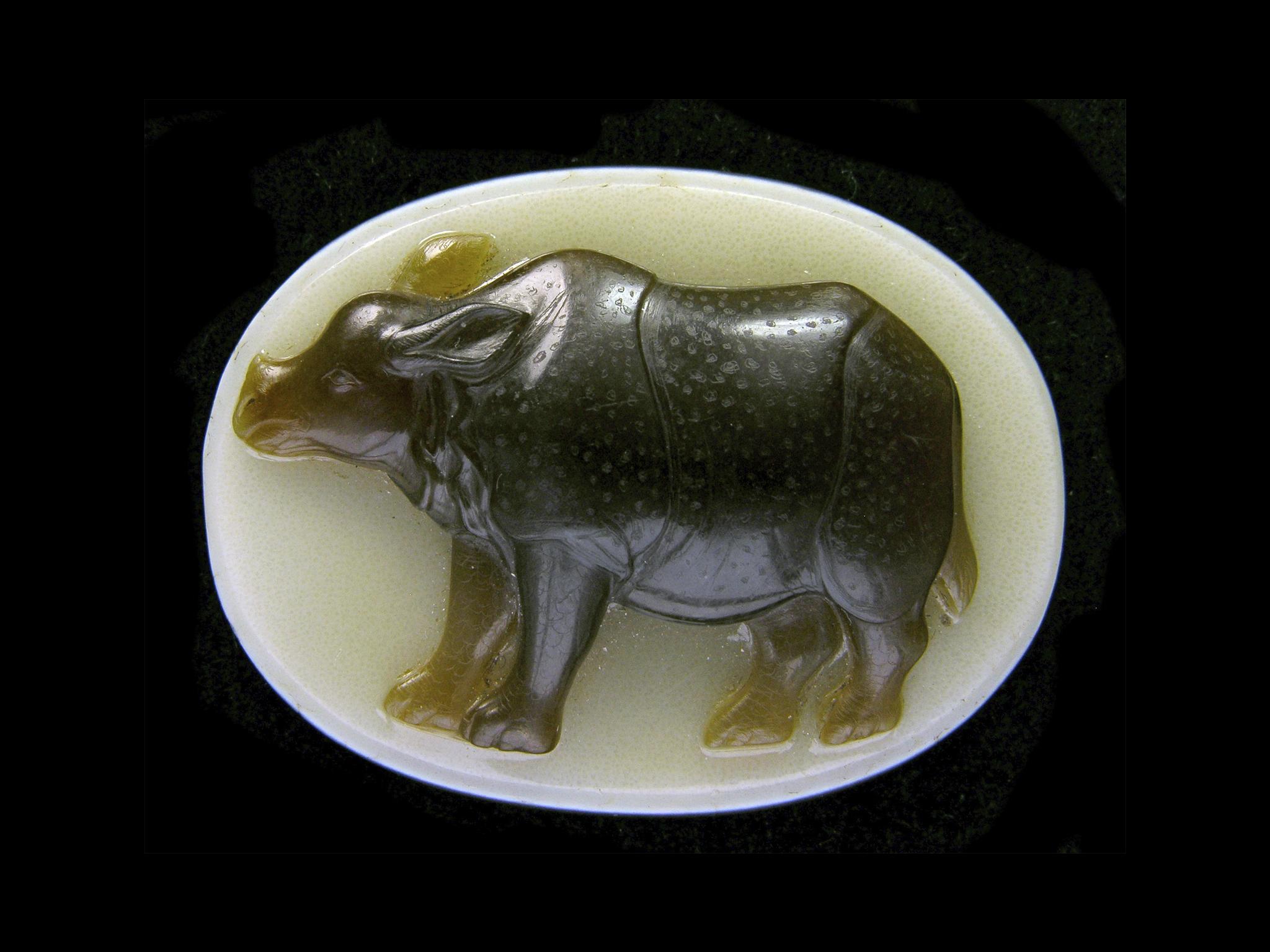 """Camafeu de um rinoceronte asiático de 1577, conhecido como """"A Maravilha de Lisboa"""""""