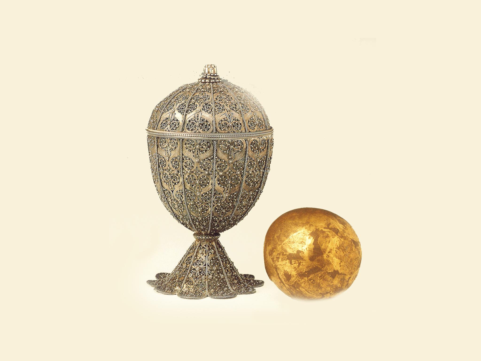 Taça contendo Pedra de Goa