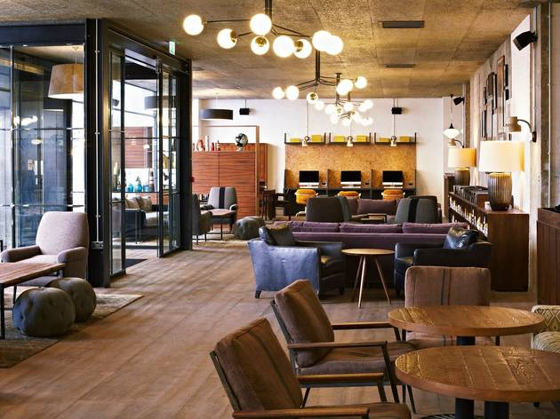 the hoxton holborn hotels in holborn london. Black Bedroom Furniture Sets. Home Design Ideas