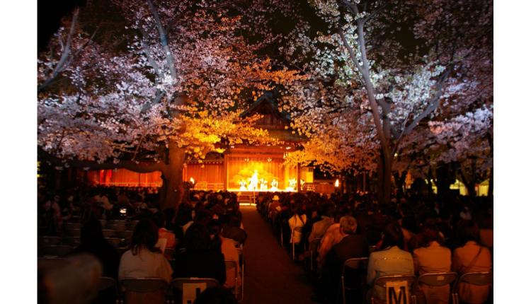 靖國神社 夜桜能