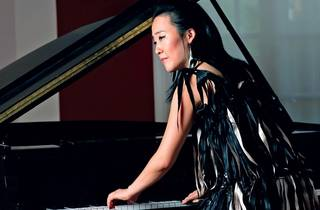 Helen Sung live at No Black Tie