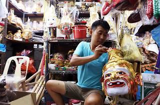 Wat ratchanadda amulet market