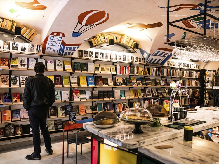 Estas livrarias em Lisboa dão-lhe mais que fazer