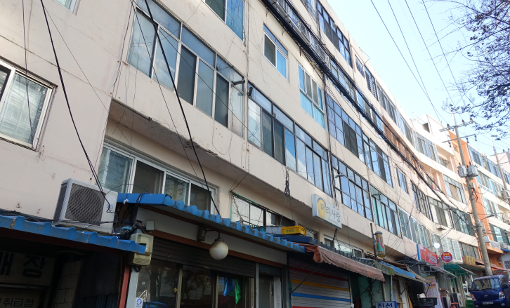 St. Joseph Apartments: Korea's first residential and commercial complex