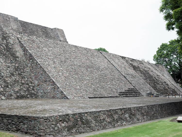 Zona Arqueológica Tenayuca I y II - INAH