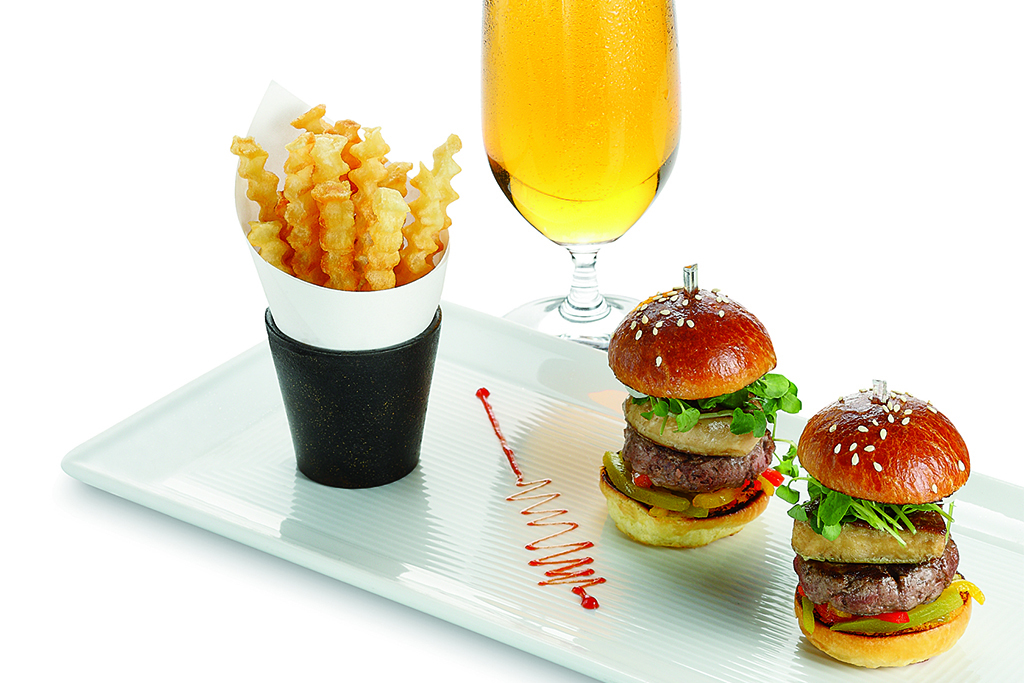 Le Burger at L'Atelier de Joel Robuchon