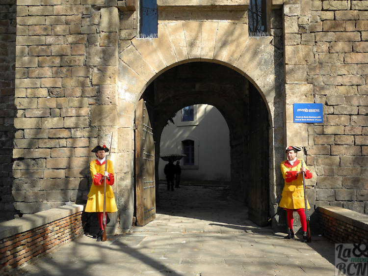 Puerta de Santa Madrona y los Jardines de Baluarte