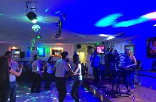 Cantina y baile en Iztapalapa