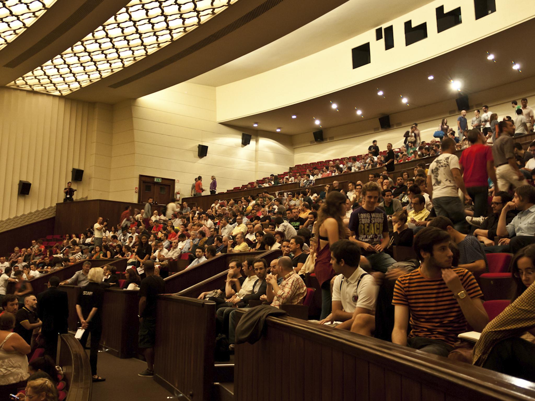 São Jorge, Cinema, Sala