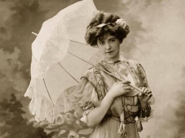 Cosas del buen tono. Los complementos de moda femeninos de la aristocracia decimonónica