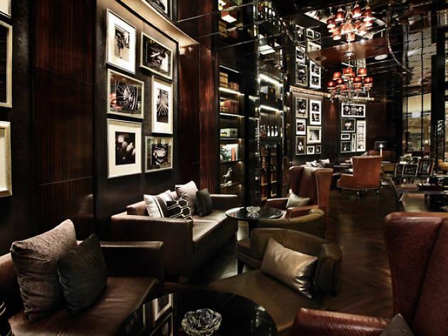 Balcony Lounge 02